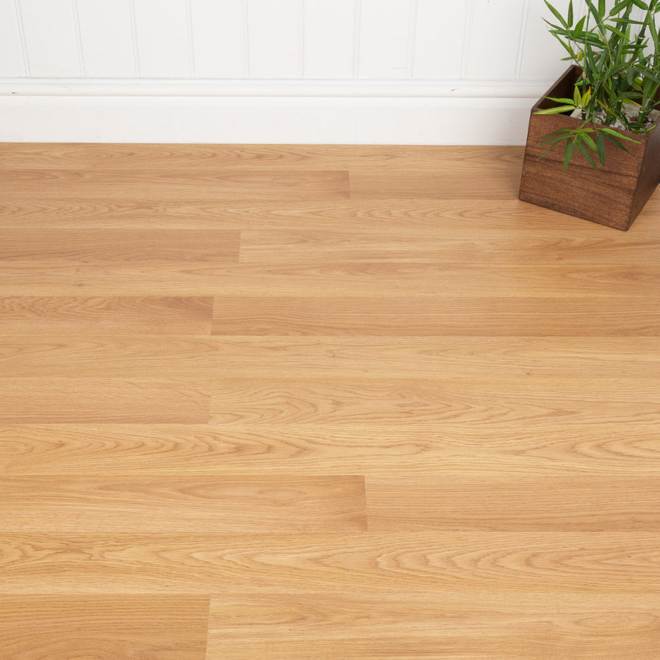Laminate Flooring - Castello Light Oak Laminate Flooring - AC4 - 8mm - 2.22m2