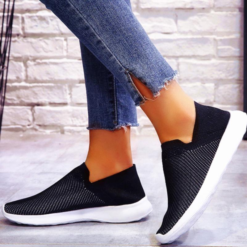Women Well-ventilated Flyknit Sneakers