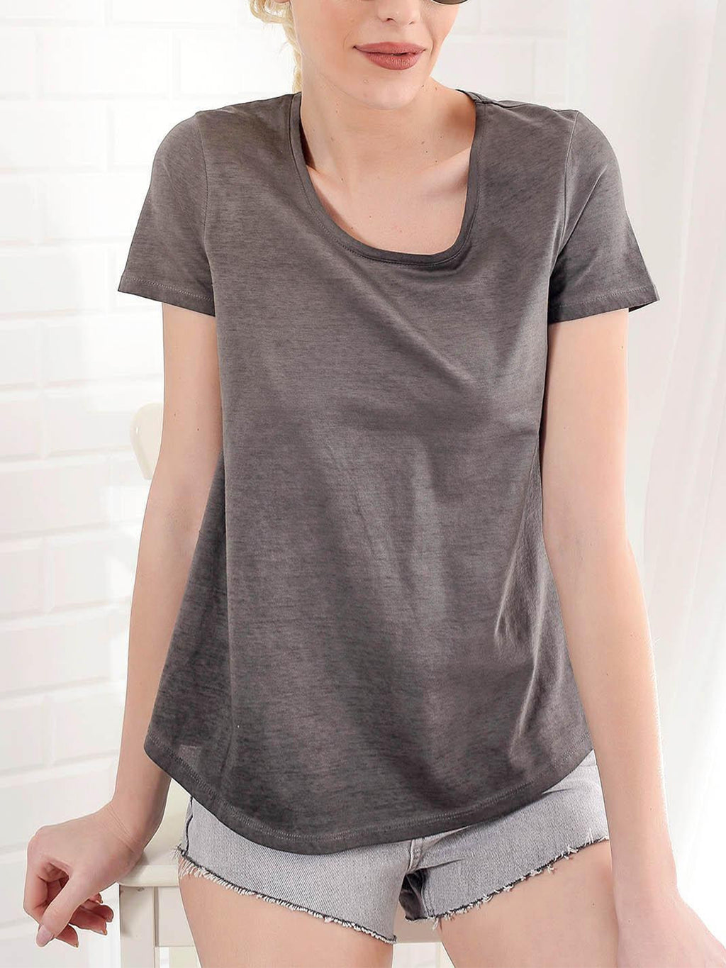 Plus Size Solid Round Neck Short Sleeve T-shirt