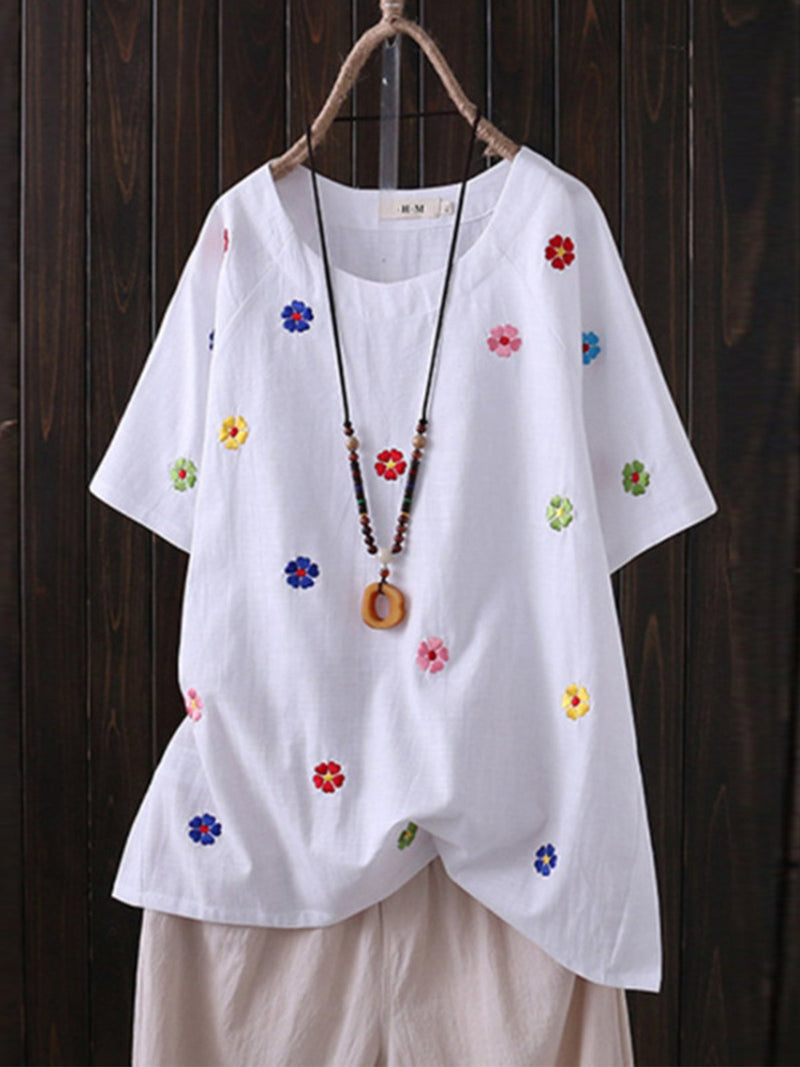 Plus Size Casual Tiny Flower Embroidery Short -Sleeved Blouse