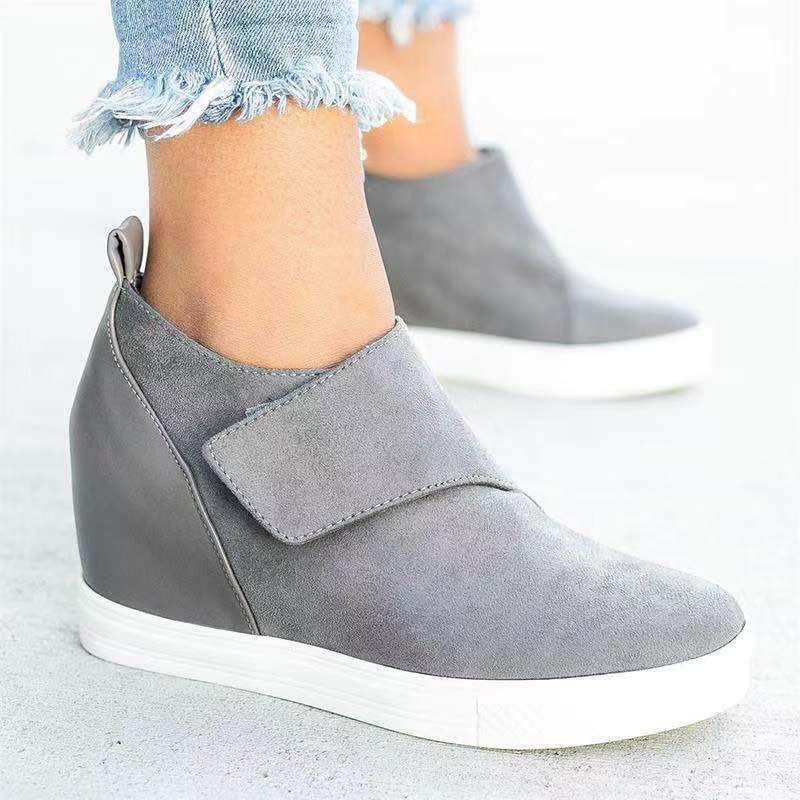 Artificial Suede Pu Hook&Loop Closure Inside Wedges Booties