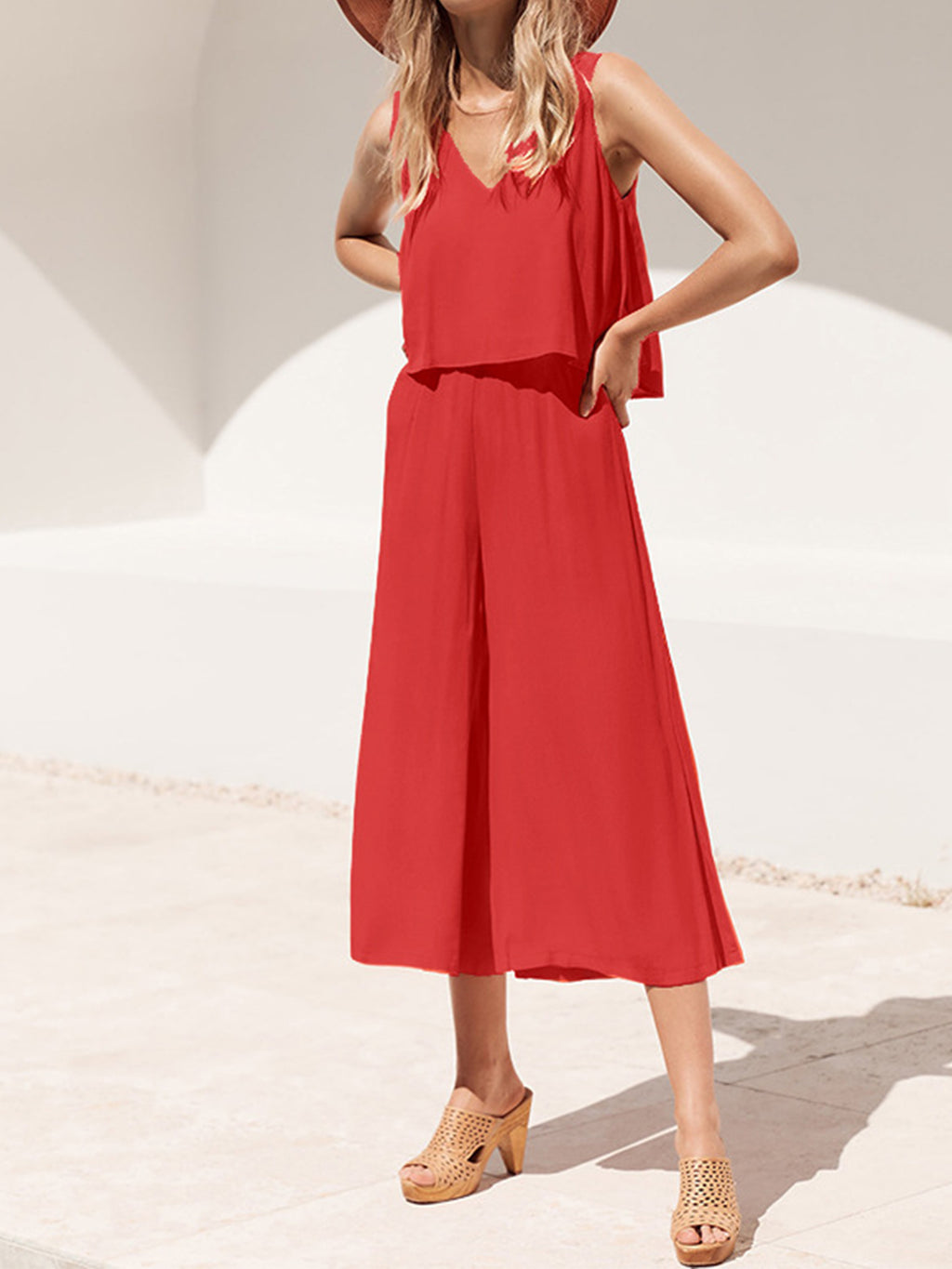 Sleeveless Loose Crop-length Jumpsuits