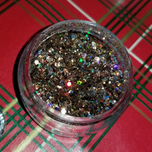 shade beauty, indie makeup, holiday 2018, christmas 2018, chunky glitter, white glitter, brown glitter, green glitter, make it rein chunky glitter, spruce it up chunky glitter, but wait there's myrrh chunky glitter, cruelty free, vegan, festival makeup, nail art