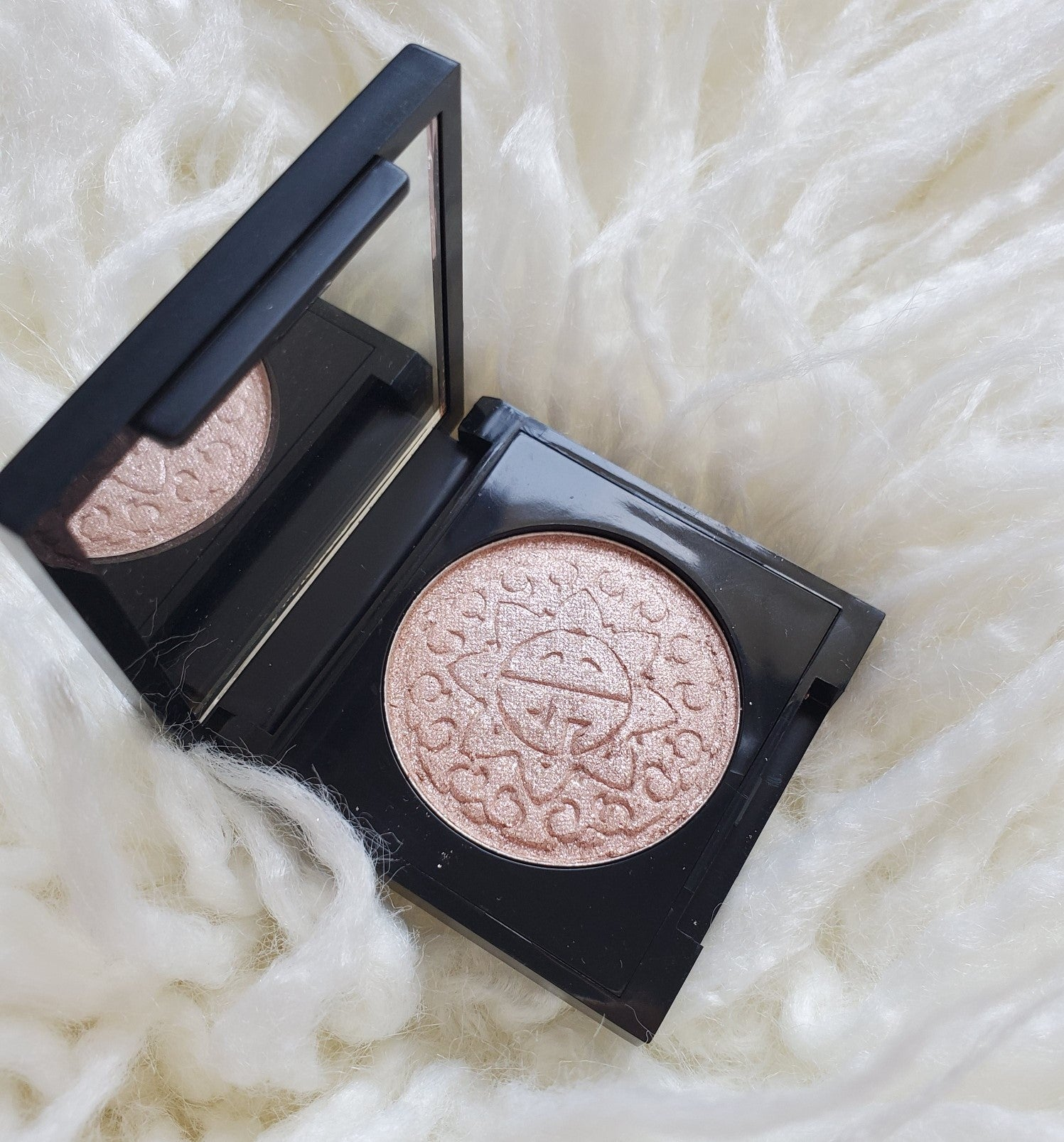 Gossip Girl Collection - Sunshine Barbie Pressed Highlighter
