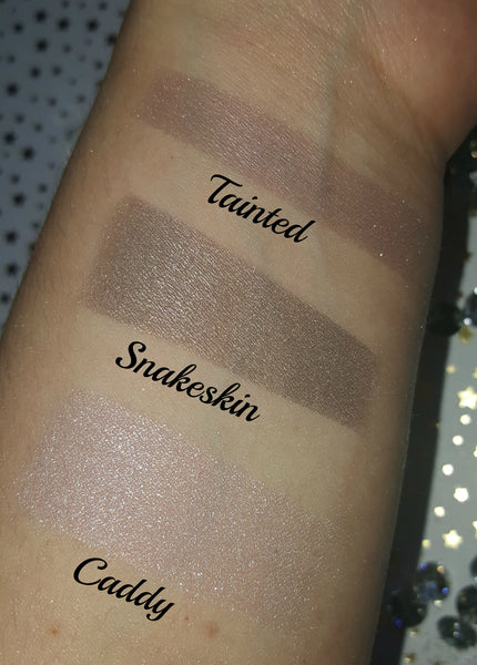 shade beauty, eyeshadow, vegan makeup, cruelty free makeup, swatches, shimmery eyeshadow, sparkly eyeshadow, metallic eyeshadow, neutral eyeshadow, nude eyeshadow, natural makeup, metallic eyeshadow, silver eyeshadow, pink eyeshadow, frosty eyeshadow, caddy, caddy loose eyeshadow