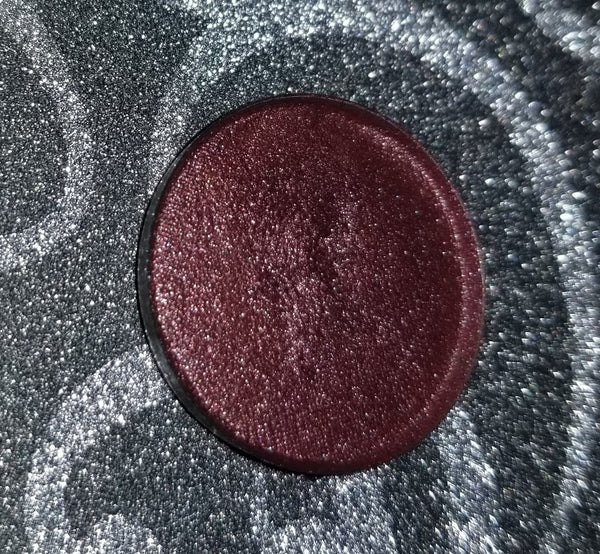 shade beauty, eyeshadow, vegan makeup, cruelty free makeup, swatches, shimmery eyeshadow, sparkly eyeshadow, metallic eyeshadow, neutral eyeshadow, nude eyeshadow, indie makeup, artisan makeup, saucy, saucy pressed eyeshadow, rose gold eyeshadow, warm eyeshadow, fall eyeshadow, fall makeup