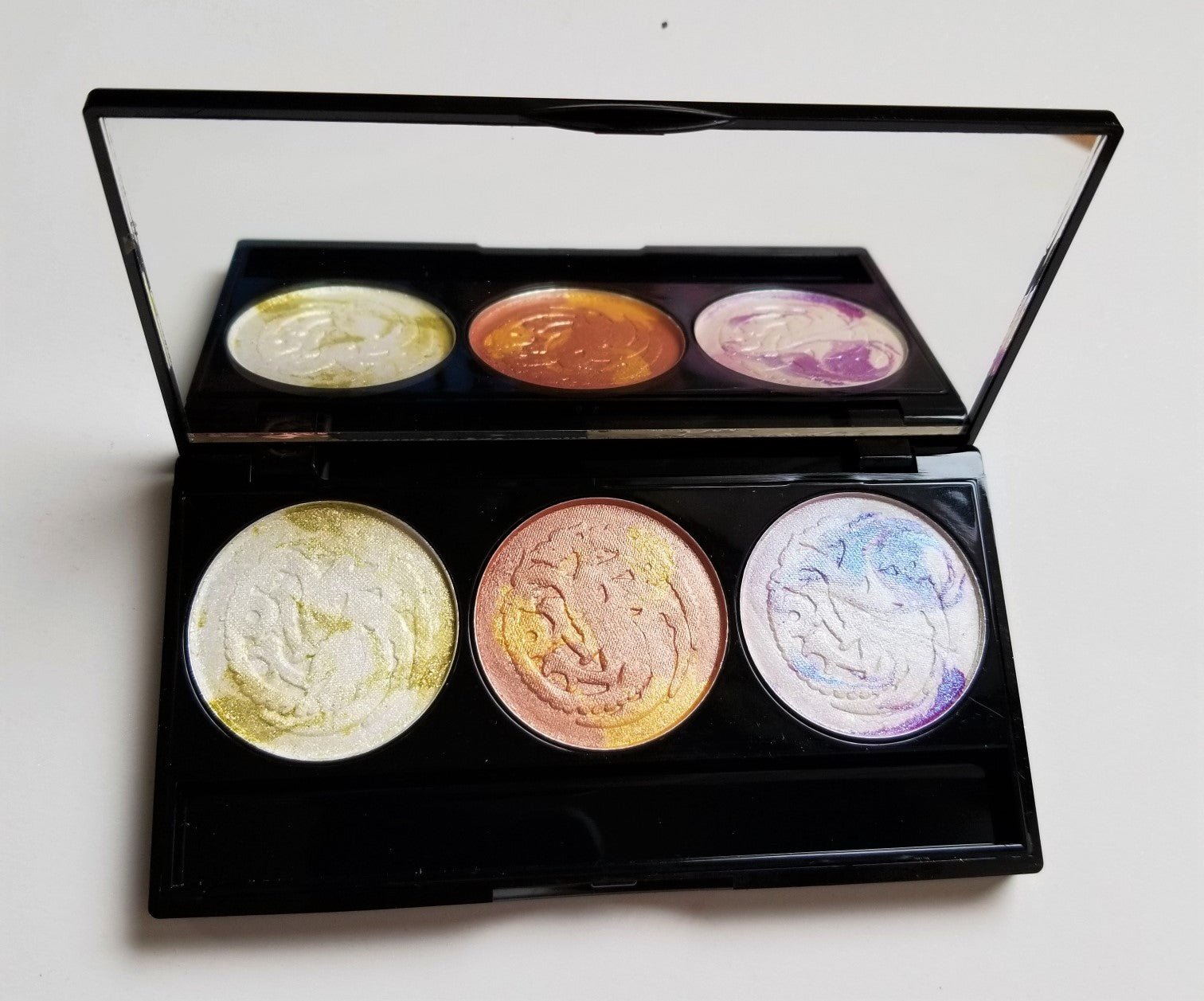DAMAGED - Game of Tones - Episode One - Dracarys Highlighter Palette - Shade Beauty