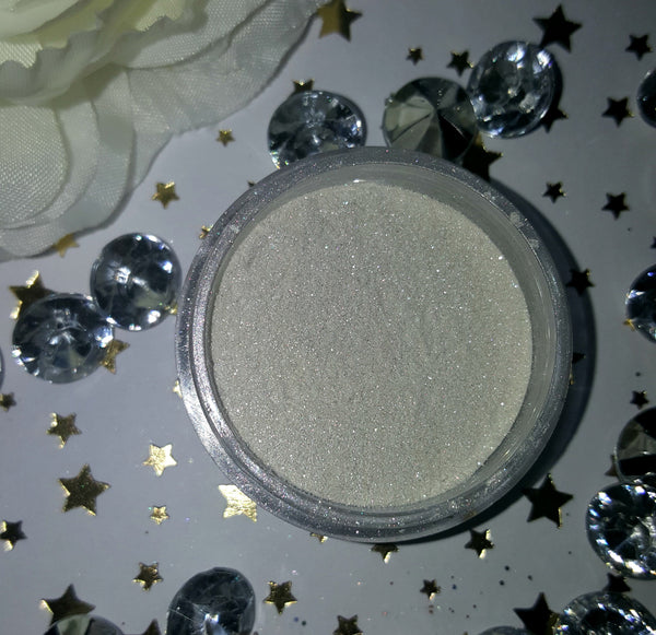 shade beauty indie makeup, cruelty free, vegan, vegan highlighter, cruelty free highlighter, white highlighter, glacier, glacier loose highlighter, makeup for pale skin, makeup for light skin,