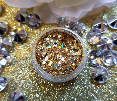 indie makeup, shade beauty, cruelty free, vegan, festival makeup, chunky glitter, holographic glitter, square glitter, hexagon glitter, gold glitter, gold chunky glitter, christmas makeup, jazzy, jazzy chunky glitter,, nail glitter, face glitter, face painting