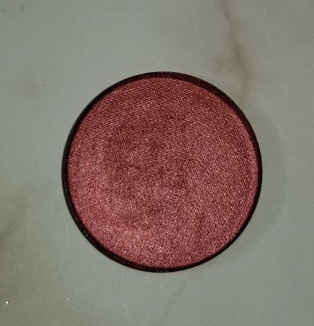 shade beauty, indie makeup, indie beauty, cruelty free makeup, vegan makeup, vegan eyeshadow, cruelty free eyeshadow, handmade eyeshadow, handmade makeup, metallic eyeshadow, shimmery eyeshadow, neutral eyeshadow, red eyeshadow, brown eyeshadow, negligee, negligee pressed eyeshadow