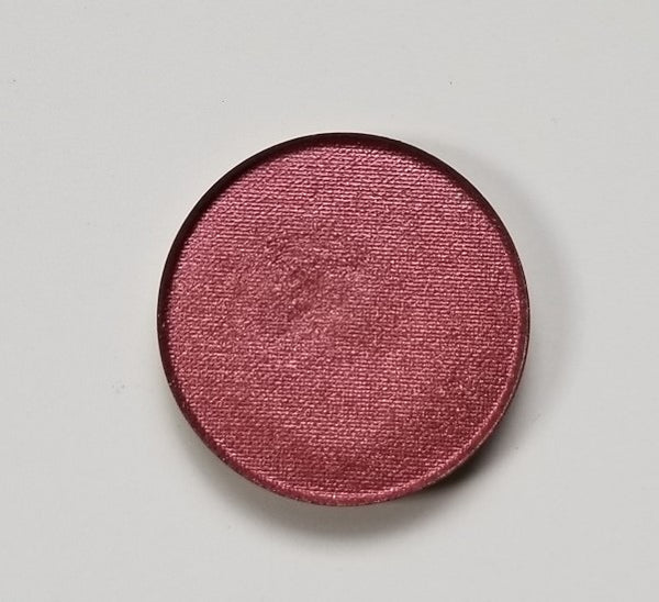 shade beauty, eyeshadow, vegan makeup, cruelty free makeup, swatches, shimmery eyeshadow, sparkly eyeshadow, metallic eyeshadow, neutral eyeshadow, nude eyeshadow, indie makeup, artisan makeup, phantom, phantom pressed eyeshadow, red eyeshadow, warm eyeshadow, brown eyeshadow