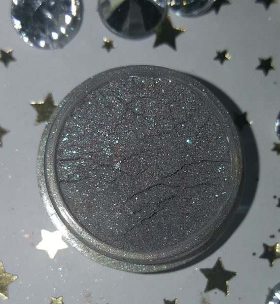 shade beauty, eyeshadow, vegan makeup, cruelty free makeup, swatches, shimmery eyeshadow, sparkly eyeshadow, metallic eyeshadow, neutral eyeshadow, nude eyeshadow, indie makeup, artisan makeup, rave, rave loose eyeshadow, green eyeshadow, teal eyeshadow, blue eyeshadow,, glitter eyeshadow, duochrome eyeshadow, multichrome eyeshadow, color shifting eyeshadowr