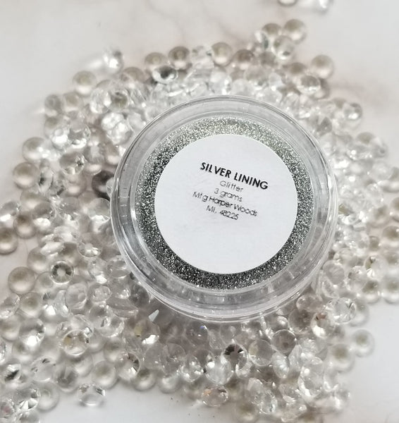 shade beauty, indie makeup, indie brand, handmade, artisan, made in the usa, made in michigan, cruelty free, vegan, glitter, loose glitter, festival makeup, silver glitter, silver lining, silver living loose glitter, new year's eve makeup, new year's eve glitter, best new year's eve makeup ideas, new year's even makeup looks