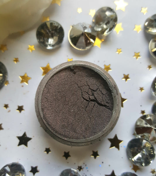 shade beauty, eyeshadow, vegan makeup, cruelty free makeup, swatches, shimmery eyeshadow, sparkly eyeshadow, metallic eyeshadow, neutral eyeshadow, nude eyeshadow, indie makeup, artisan makeup, sin, sin loose eyeshadow, purple eyeshadow, plum eyeshadow, grey eyeshadow, gray eyeshadow, smokey eyeshadow