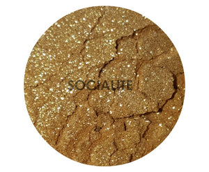 shade beauty indie makeup, cruelty free, vegan, vegan highlighter, cruelty free highlighter, bronze highlighter, bronzer, gold highlighter, socialite, socialite loose highlighter, sparkly highlighter, glittery highlighter, makeup for tan skin, makeup for deep skin, makeup for dark skin
