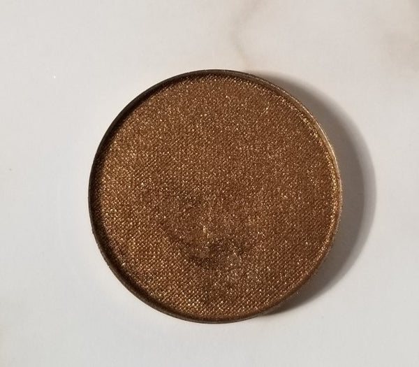 shade beauty, eyeshadow, vegan makeup, cruelty free makeup, swatches, shimmery eyeshadow, sparkly eyeshadow, metallic eyeshadow, neutral eyeshadow, nude eyeshadow, indie makeup, artisan makeup, teddy, teddy pressed eyeshadow, warm eyeshadow, bronze eyeshadow, brown eyeshadow