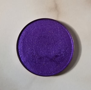 shade beauty, eyeshadow, vegan makeup, cruelty free makeup, swatches, shimmery eyeshadow, sparkly eyeshadow, metallic eyeshadow, neutral eyeshadow, nude eyeshadow, indie makeup, artisan makeup, warlock, warlock pressed eyeshadow, purple eyeshadow, best bright eyeshadows, colorful eyeshadow