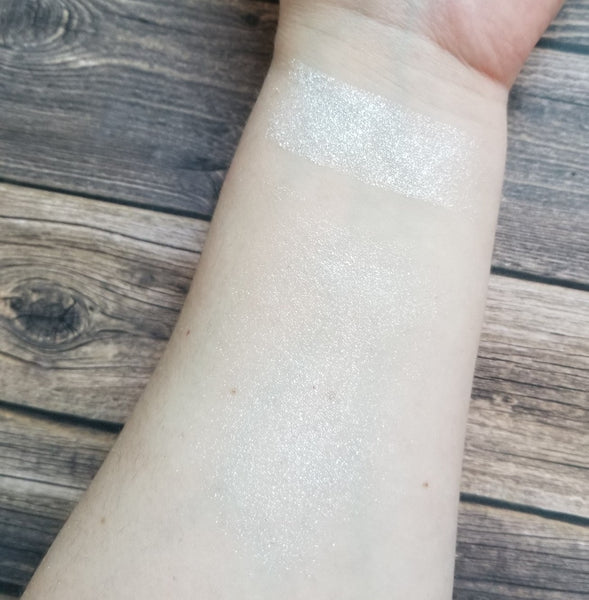 Game of Tones - Episode Three - Winter Is Coming Pressed Highlighter - Shade Beauty