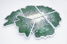 "Load image into Gallery viewer, Resin Geode Coaster Set ""Emerald and Silver"" - 6 coasters"