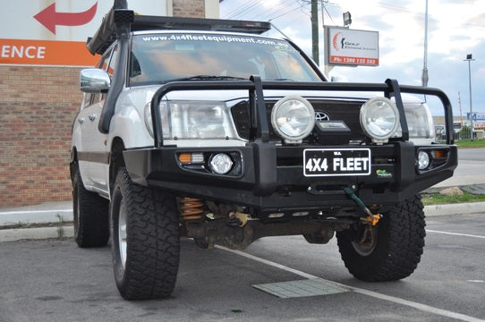 Deluxe Commercial Bull Bar to suit Landcruiser 105 Series