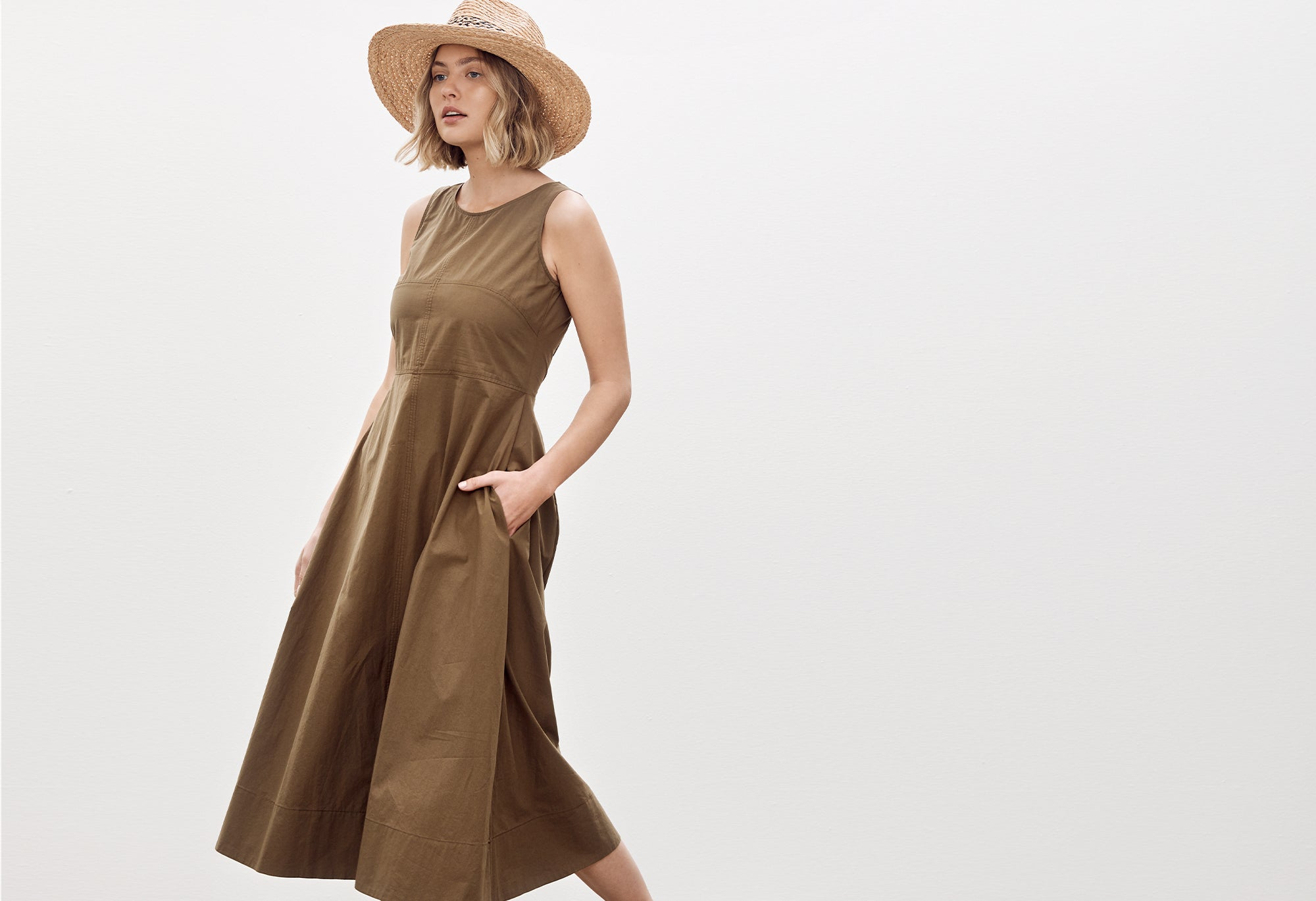 LIIKE DRESS IN SAGE FROM LAYER/D