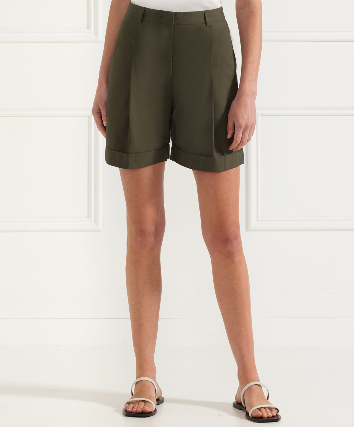 Janice - Tailor Pleated Shorts