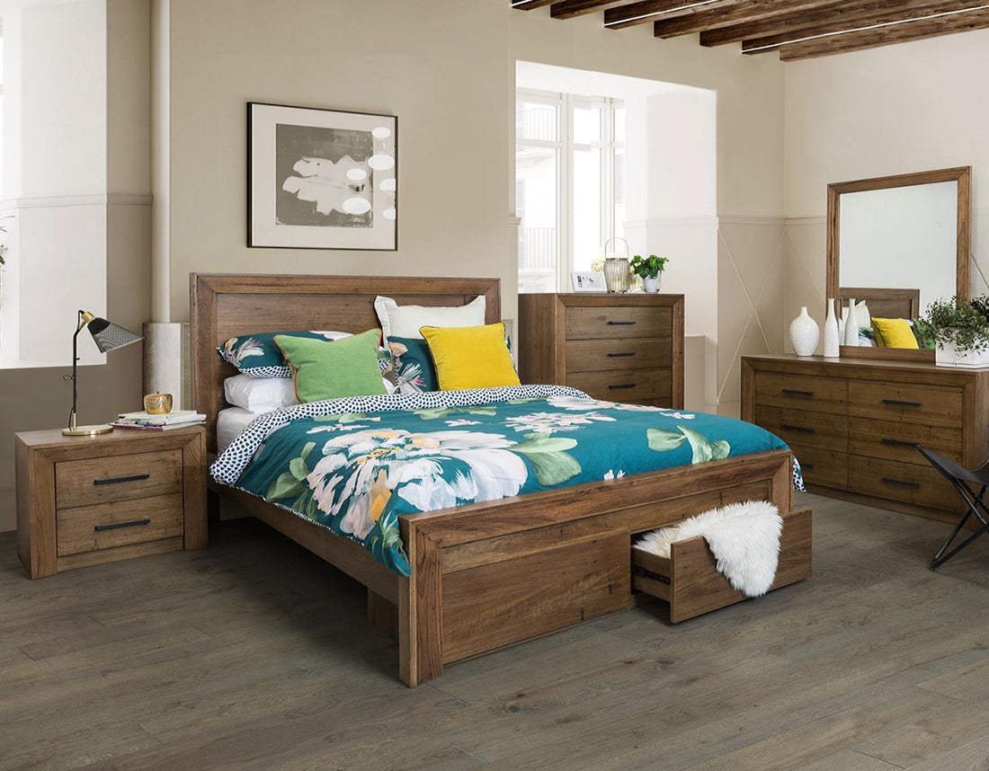 Berkshire Wormy Oak Bed