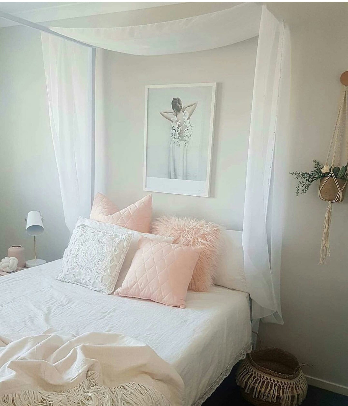 Willow 4 Poster Bed By Hypersonic