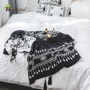 LAKOTA Tassel Throw