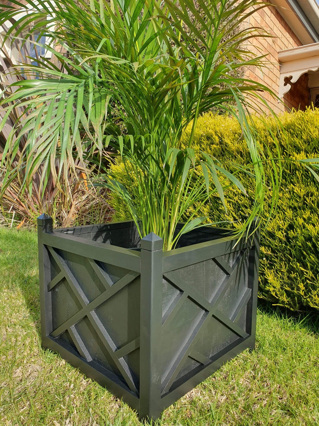 Chippendale planter box square - black