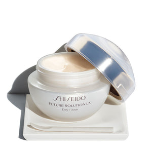 Future Solution LX Total Protective Cream SPF 20