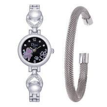"Load image into Gallery viewer, Women's ""Full Heart"" Face Bracelet Watch Set"