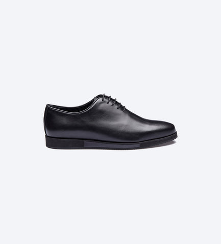 Black Balmoral Plain Toe Shoes For Men