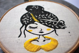 EMBROIDERY & LINOGRAVURE - THE COLPORTEUSE