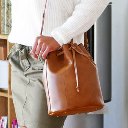 RAPHAËL SMOOTH CAMEL BAG