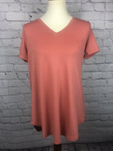 Load image into Gallery viewer, V Neck Basic Tee