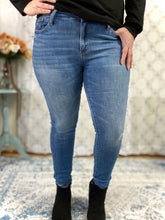 Load image into Gallery viewer, Perfectly Pinned Judy Blue Jeans