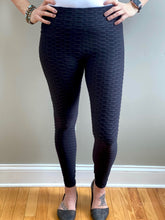 Load image into Gallery viewer, Totally Textured Leggings in Black