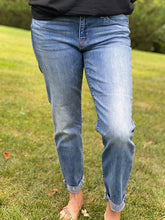 Load image into Gallery viewer, No Nonsense Judy Blue Boyfriend Jeans