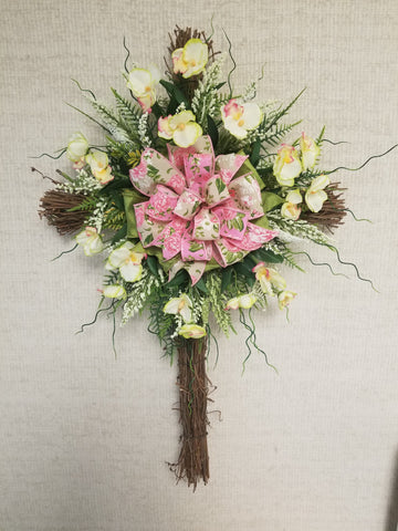 GRAPEVINE CROSS WHITE PINK FLORAL