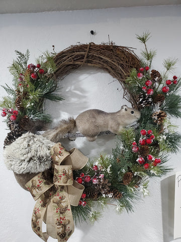"24"" GRAPEVINE SQUIRREL WREATH"
