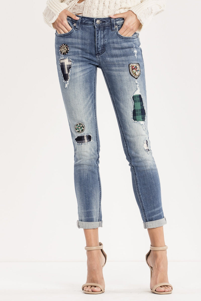 DISTRESSED TO IMPRESS MID-RISE ANKLE SKINNY JEANS