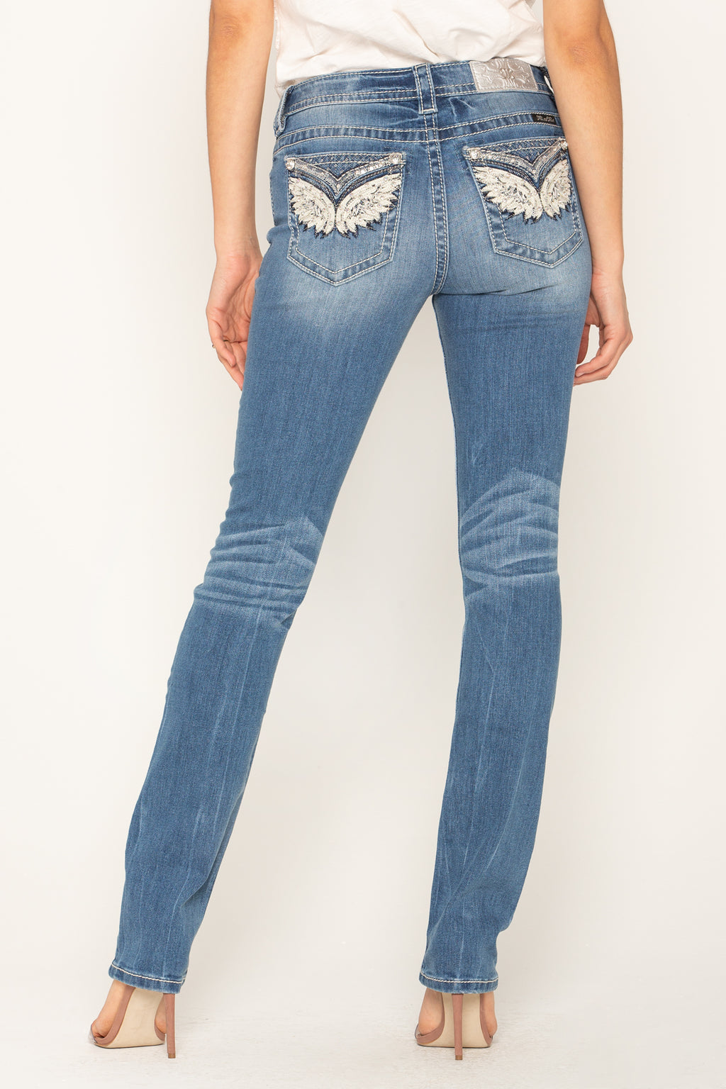 a377efcf31c86 SWEET MOMENT STRAIGHT JEANS