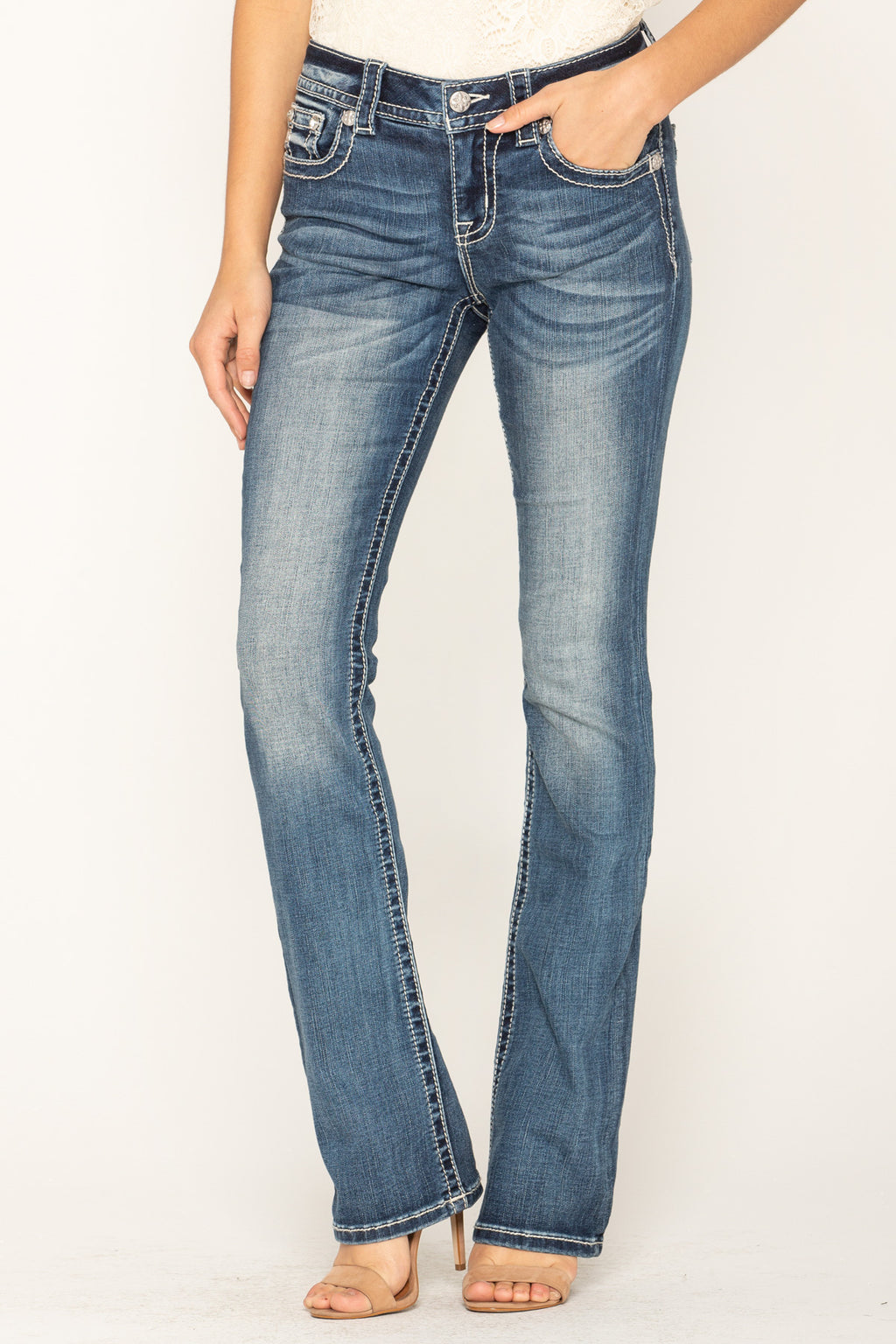 82dd4b66185 IN THE TROPICS SLIM BOOTCUT JEANS - front