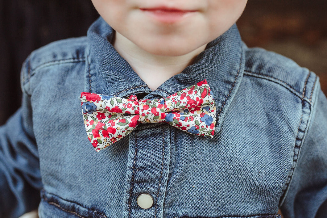 {Adjustable} Handmade Bow Tie {Choose Your Fabric}