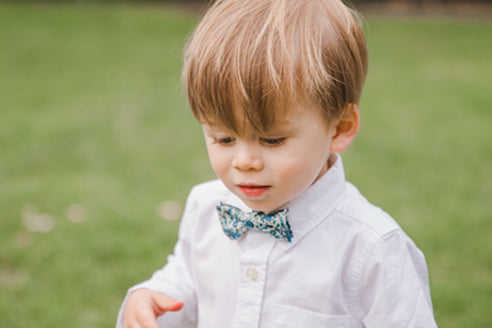 {Clip On} Handmade Bow Tie {Choose Your Fabric}