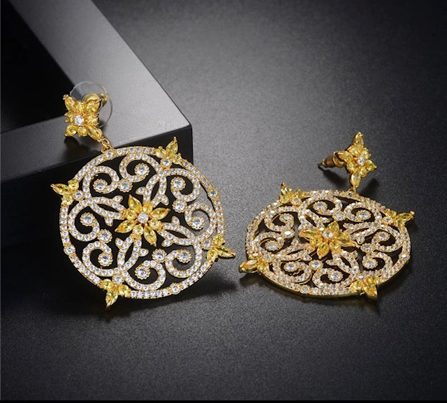 Luxury circular earring