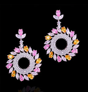 Chandelier earrings in pink and yellow