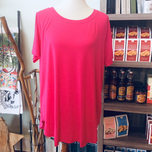 PLUS Short Sleeve Round Neck Top in Hot Pink