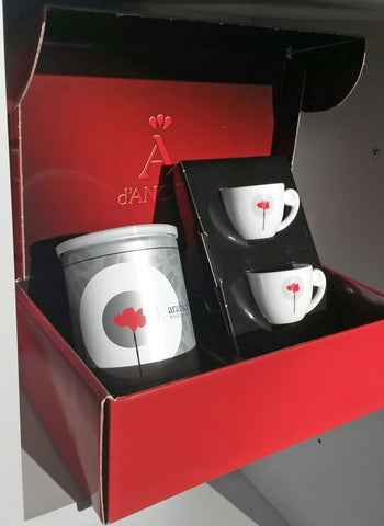 San Giusto Caffe gift box with coffee and cups